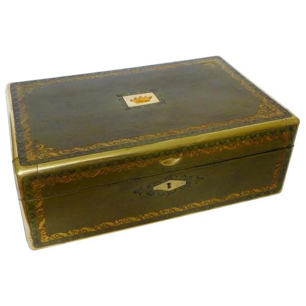 Grand coffret à couronne de Marquis gainé de cuir doré aux petits fers, époque Restauration