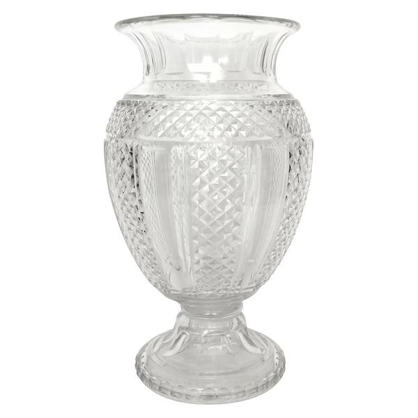 Spectaculaire vase Medicis en cristal de Saint Louis taillé en pointes de diamant, époque fin XIXe - 35,5cm