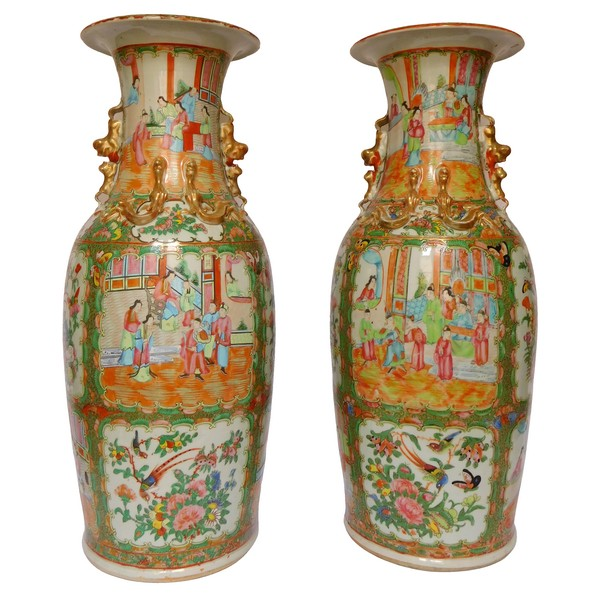 Pair of tall Canton porcelain vases enhanced with fine gold - 19th century