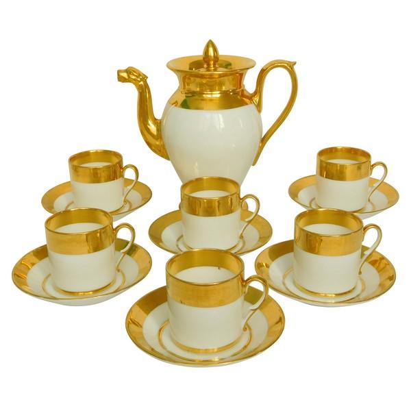 Service à café en porcelaine de Paris rehaussée à l'or fin, époque Restauration - début XIXe siècle