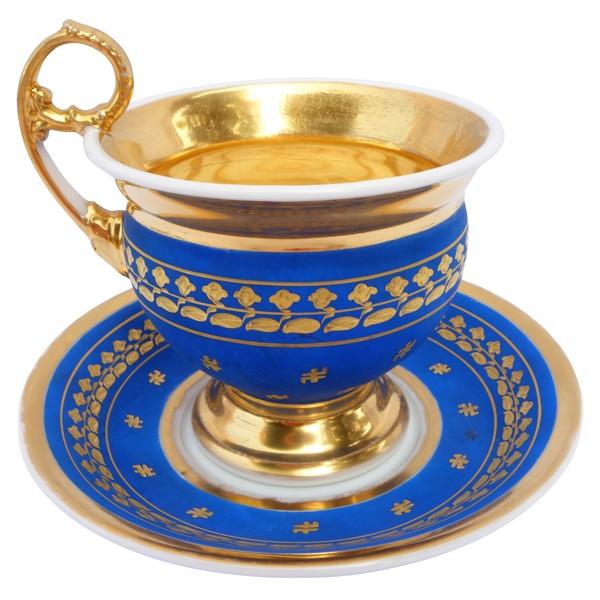 Grande tasse à petit déjeuner en porcelaine de Paris bleue et dorée, époque Restauration XIXe