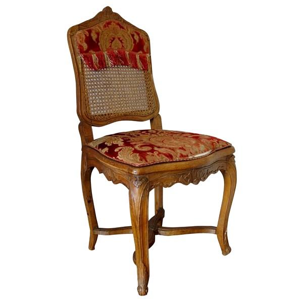 Chaise cannée d'époque Louis XV, avec sa garniture d'origine en velours de Gênes d'époque XVIIIe