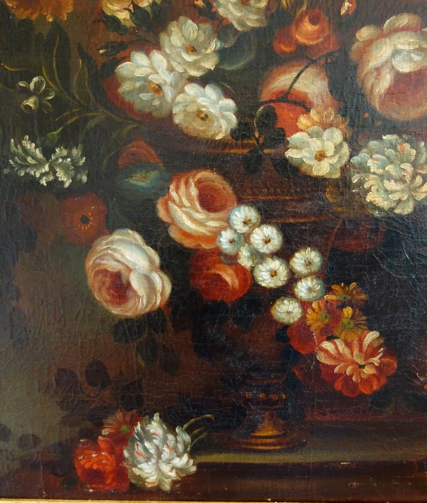 17th century French school : bouquet of flowers in a 19th century gilt wood frame