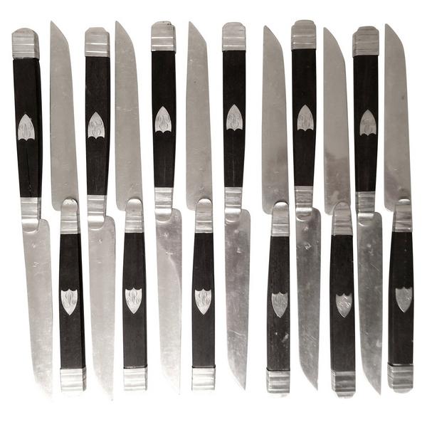 Ensemble de 12 couteaux à fruits en ébène et argent massif, poinçon Vieillard