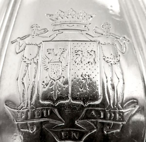 Odiot / Puiforcat : 12 fourchettes de table Régence en argent massif, armoiries ducales, poinçon Minerve
