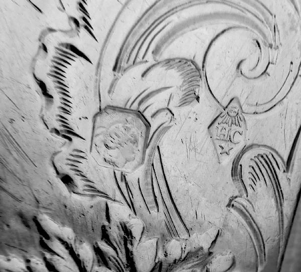 Couteau à beurre de style Louis XV en argent massif, poinçon Minerve, par Henri Chenailler