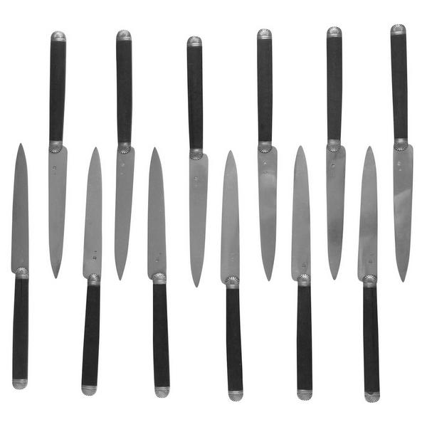 12 couteaux à fruits, modèle à coquille en argent massif et acajou, poinçon Minerve