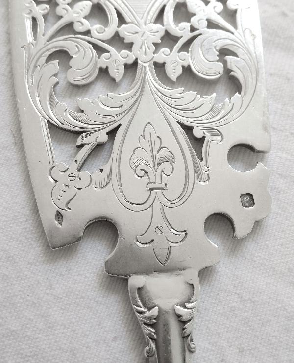 Puiforcat : couvert à poisson en argent massif, modèle Fer de Lance style Gothique, poinçon Minerve