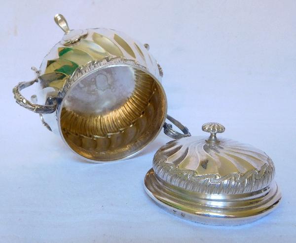 Sucrier de style Louis XV en argent massif par Puiforcat, poinçon Minerve