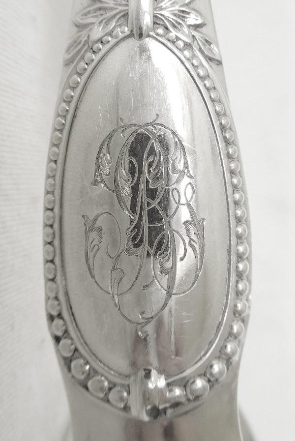 Pince à sucre de style Louis XVI en argent massif, poinçon Minerve, par Puiforcat