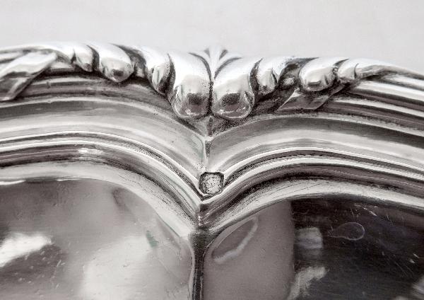 Odiot : grand plat de style Transition en argent massif, poinçon Minerve