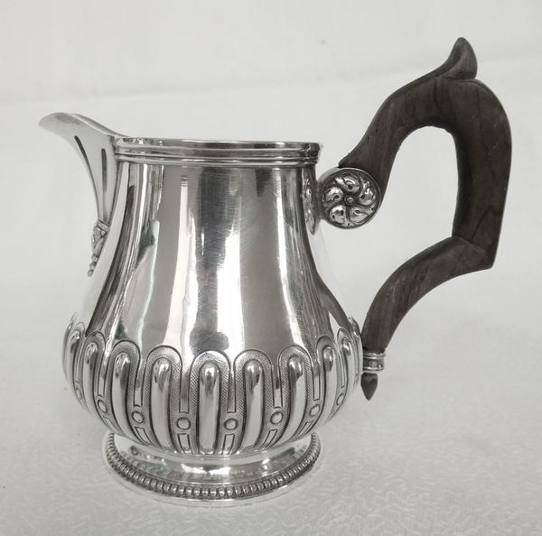 Pot à lait de style Régence en argent massif, poinçon Minerve, par Alfred Hector