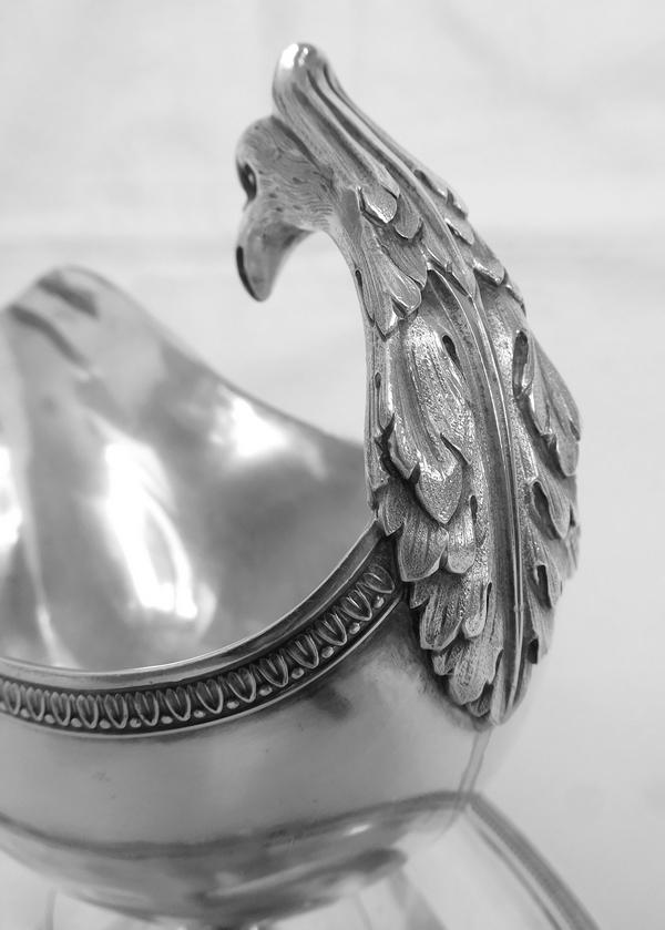 Saucière casque de style Empire en argent massif, poinçon Minerve, époque XIXe circa 1840