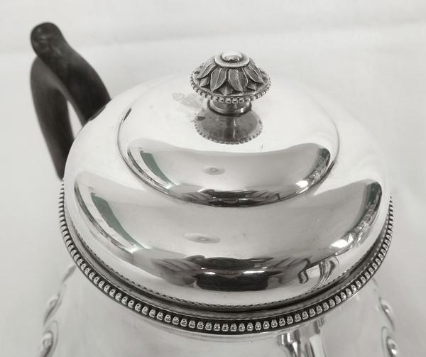 Théière de style Régence en argent massif, poinçon Minerve, par Alfred Hector