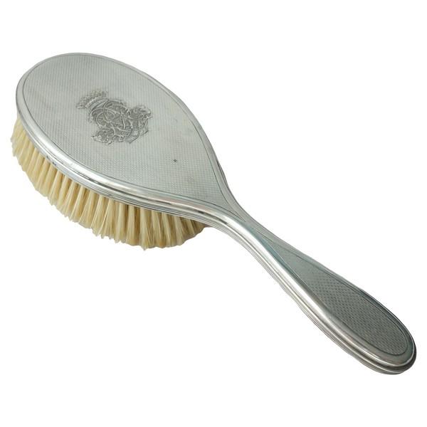 Brosse en argent guilloché, couronne de comte, monogramme LB, poinçon Minerve