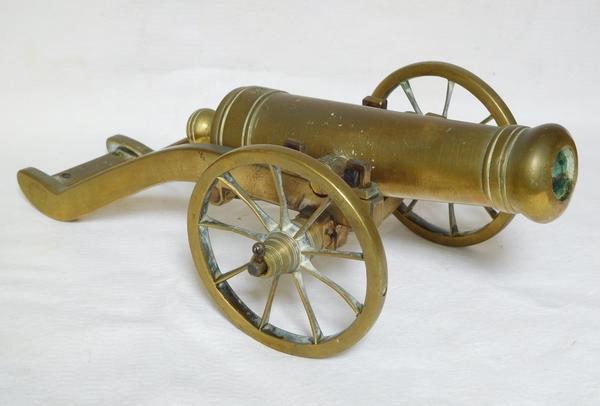 Canon miniature en bronze, jouet d'enfant, fonctionnel époque XIXe siècle