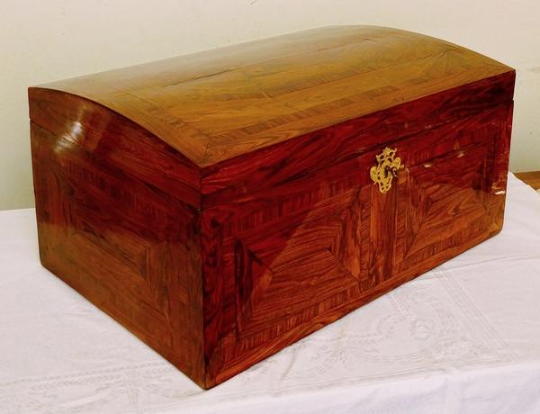 Grand coffre à châles d'époque Régence - Louis XV en palissandre - 60x40cm