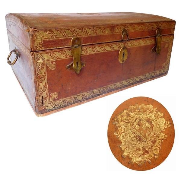 Provenance Royale : coffret de voyage en cuir aux armes de Mesdames, filles de Louis XV