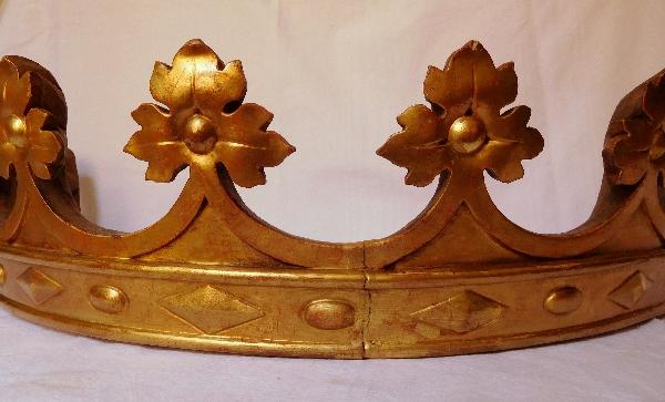 Couronne ducale de baldaquin ou de dais en bois doré d'époque XIXe siècle