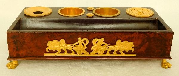 Encrier en loupe de thuya et bronze doré au mercure d'époque Empire