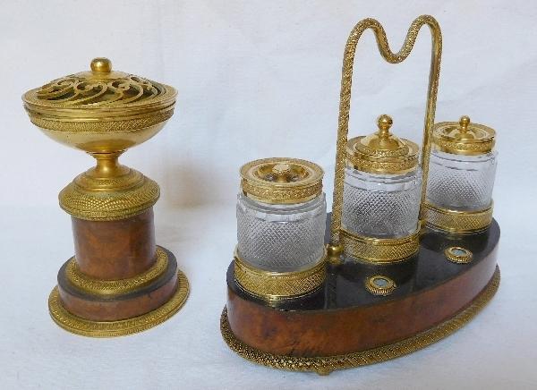 Encrier en acajou et bronze doré, garniture de cristal du Creusot, époque Restauration