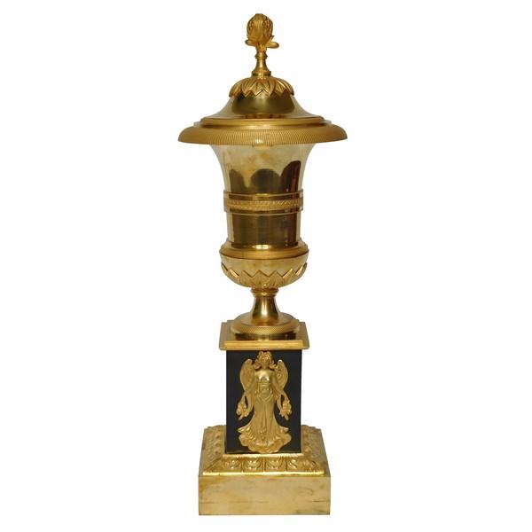Vase urne cassolette en bronze patiné et doré au mercure et patiné d'époque Empire