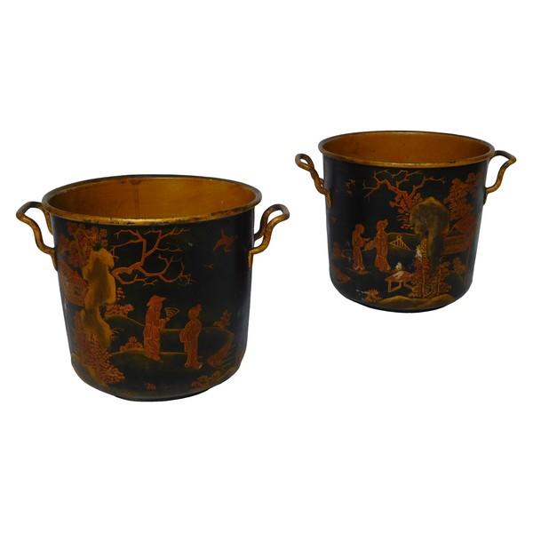 Paire de cache-pots en tôle à décor de chinoiseries, début XIXe siècle