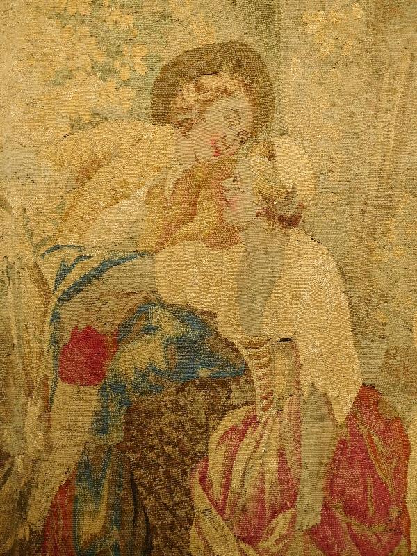 Tapisserie d'Aubusson polychrome d'époque Louis XVI, laine et soie : scène galante - 221cm x 228cm