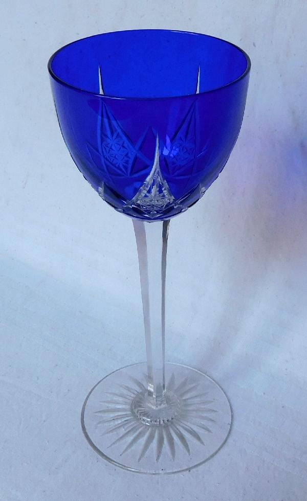 Série de 6 verres à vin du Rhin en cristal de Baccarat, modèle Epron, overlay bleu cobalt