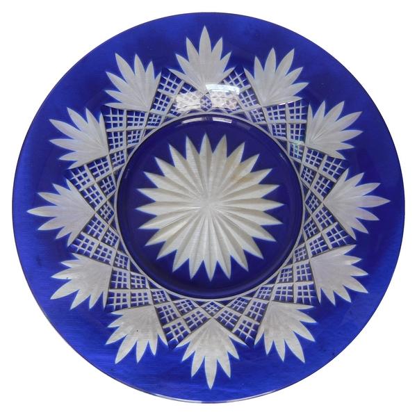 Petite assiette en cristal de Baccarat, cristal overlay bleu, modèle à palmettes