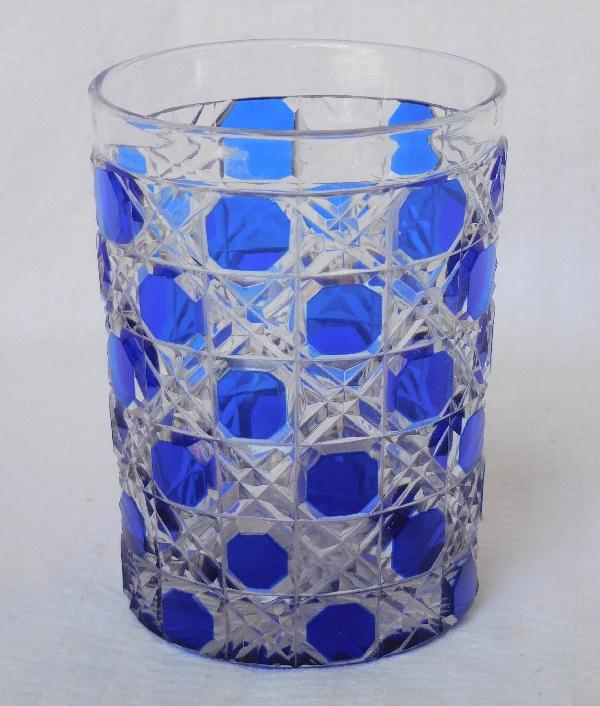Verre à dents en cristal de Baccarat, modèle Diamants Pierreries doublé bleu