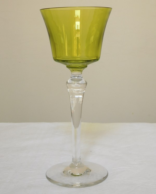 verre vin du rhin en cristal de baccarat vert chartreuse mod le piccadilly non taill. Black Bedroom Furniture Sets. Home Design Ideas