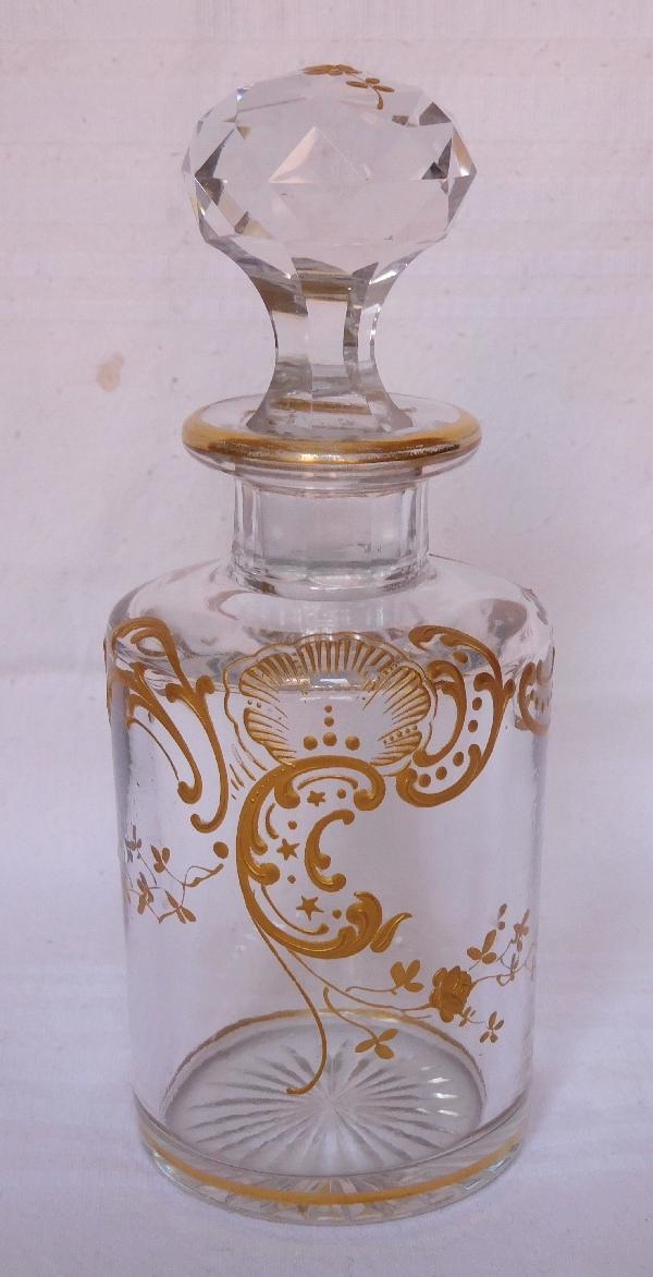 Flacon à parfum en cristal de Baccarat, modèle Louis XV rehaussé à l'or fin - 12,5cm