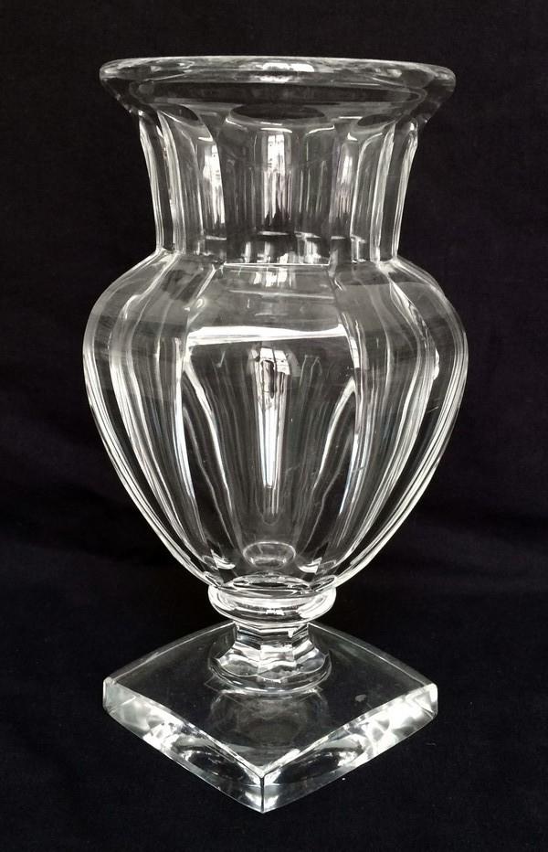 vase m dicis en cristal de baccarat mod le malmaison sign. Black Bedroom Furniture Sets. Home Design Ideas