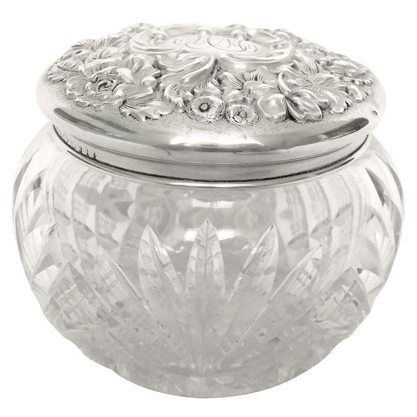 Boîte à poudre en cristal de Baccarat taillé, couvercle en argent massif et vermeil