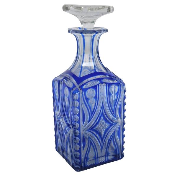 Carafe à cognac / carafe à whisky en cristal de Baccarat overlay bleu époque XIXe