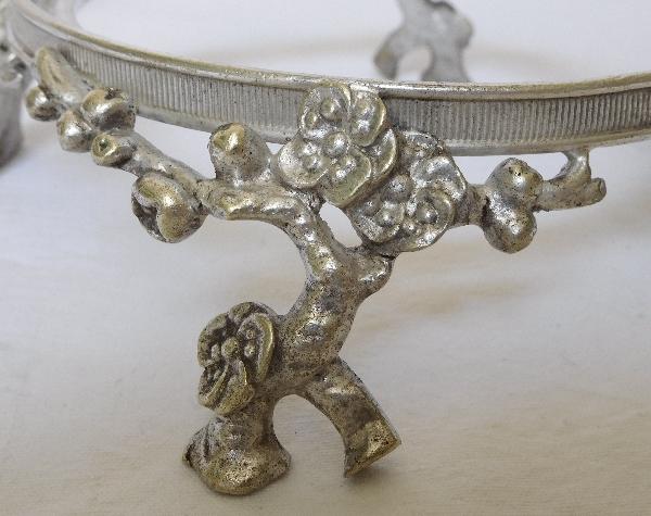 Baccarat coupe centre de table en cristal sur pied en bronze argenté, époque fin XIXe siècle