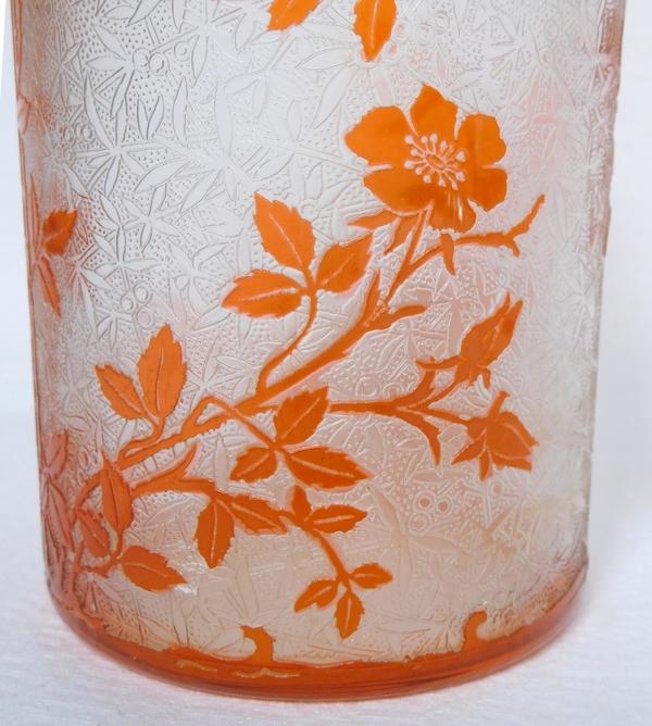 Très grand flacon à parfum en cristal de Baccarat, modèle Eglantier orange - 21cm - signé