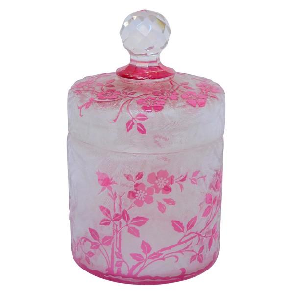 Boîte à poudre en cristal de Baccarat, modèle Eglantier rose