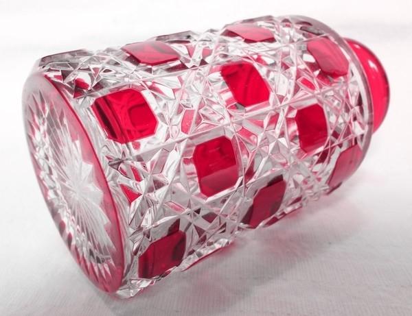 Flacon de toilette en cristal de Baccarat, modèle Diamants Pierreries doublé rose - signé - 17,8cm