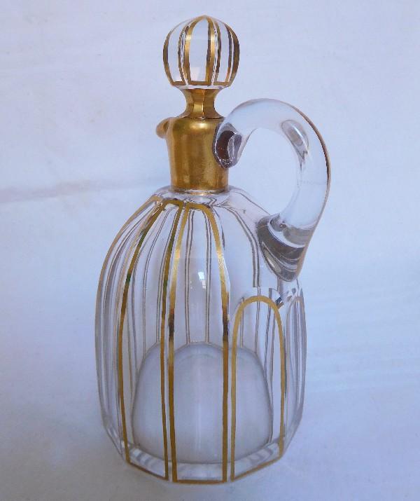 Carafe à liqueur en cristal de Baccarat, modèle Cannelures réhaussé de filets or