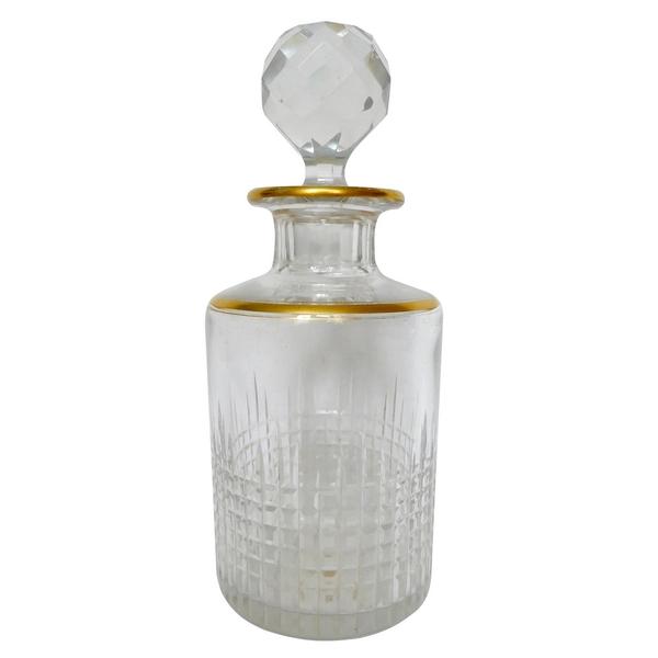 Flacon à parfum en cristal de Baccarat, modèle Nancy, rehaussé à l'or fin, 15,4cm