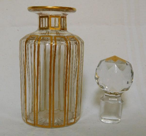 Flacon En Cristal De Baccarat Modele Cannelures Rehausse