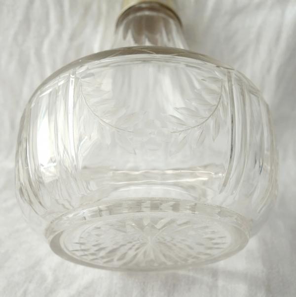 Flacon de style Louis XVI en cristal de Baccarat, couronne de Prince, monture en argent massif, poinçon Minerve