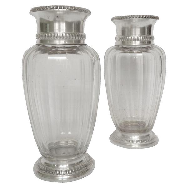 Paire de vases en cristal de Baccarat modèle Malmaison, monture en argent massif