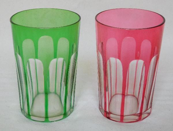Paire de verres à dents en cristal de Baccarat overlay vert et rose