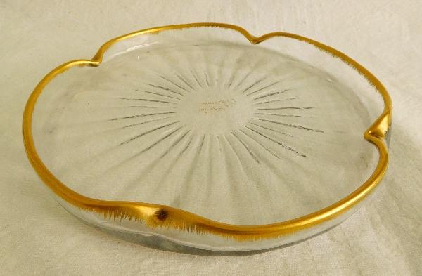 Petit plateau en cristal de Daum doré à côtes vénitiennes, vers 1900 - signé