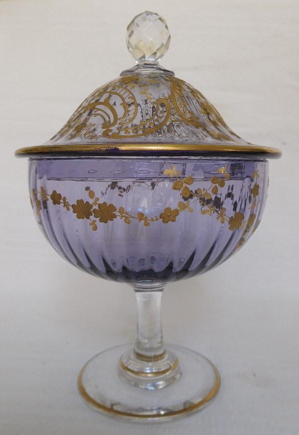 Service à eau de vie en cristal de Baccarat bleu-violet rehaussé à l'or fin