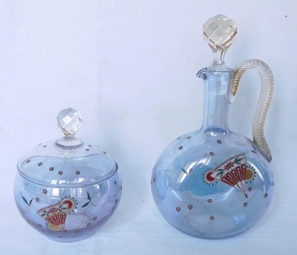 Sucrier en cristal de Baccarat, cristal irisé bleu émaillé japonisant, trace d'étiquette