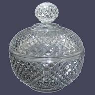 Sucrier en cristal de Baccarat à pointes de diamants, modèle Marie-Louise